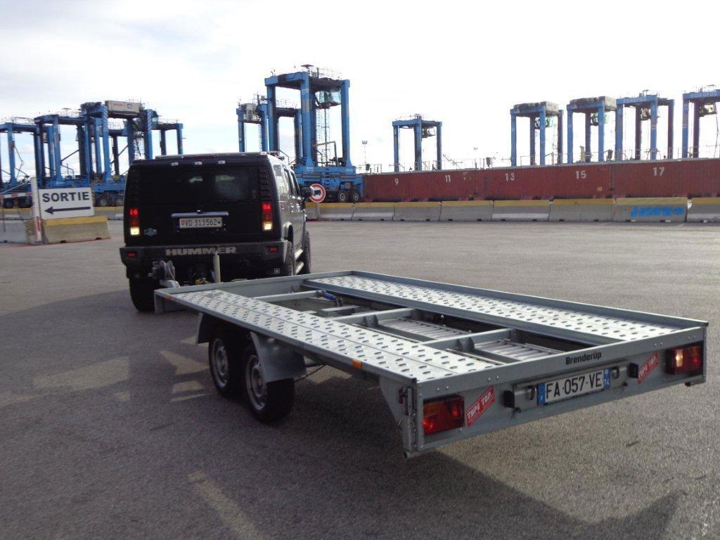 Logistique import de véhicules haut de gamme des USA
